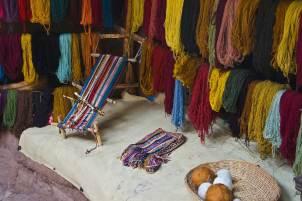 Backstrap loom, Natural dyed yarn
