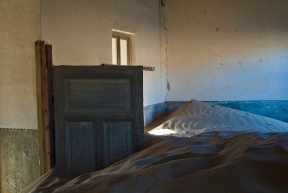 """Time changes things"", Kolmanskop"