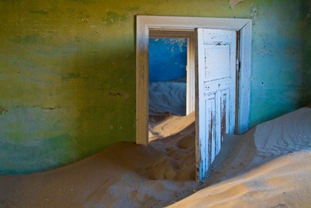 Colours of Kolmanskop