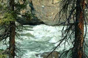 Standing waves, Nahanni River