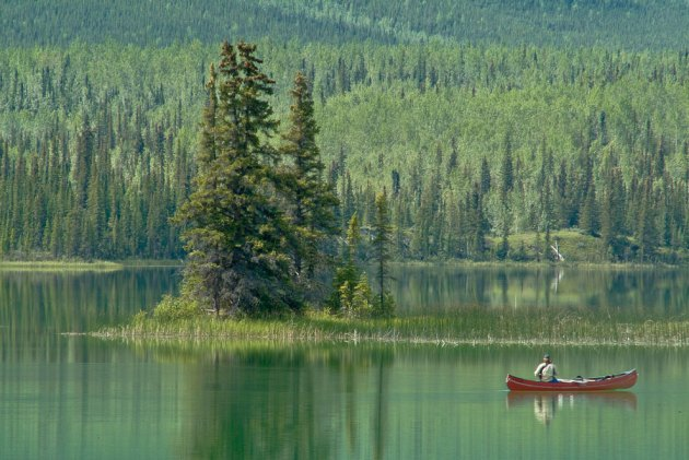 Rabbit Kettle Lake, Nahanni